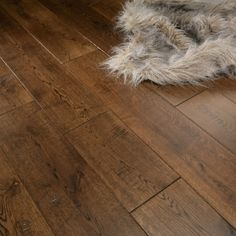 Florence Solid Antique Oak 125mm Hand Distressed Lacquered Flooring