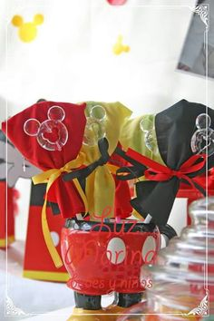 Paletas con Mickey de acrílico