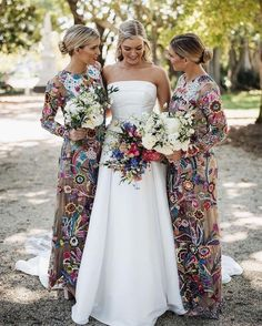 """Carats & Cake on Instagram: """"All-out florals for your bridesmaids' gowns is always a good idea. Vibrant, patterned, seasonal, and sophisticated, outfitting your bridal…"""" Printed Wedding Dress, Bridesmaid Dresses Floral Print, Beautiful Bridesmaid Dresses, Beautiful Dresses, Wedding Attire, Wedding Events, Wedding Dresses, Weddings, Green Wedding Shoes"""