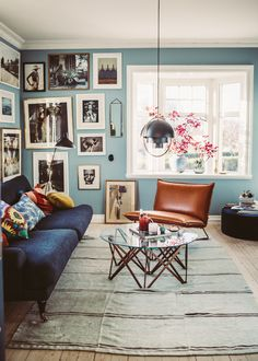 Home Inspiration : KrickelinThe Definitive Source for Interior Designers - How To Hygge - Ideas of How To Hygge - Home Inspiration : KrickelinThe Definitive Source for Interior Designers Living Room Inspiration, Interior Inspiration, Luxury Homes Interior, Interior Design, Living Room Decor, Bedroom Decor, Blue Living Room Walls, Classic Home Decor, Home Decor Kitchen