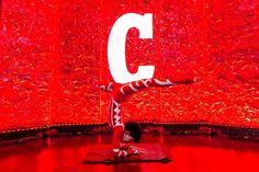 Atração corporativa com figurino das cores da marca ou produto. Contorcionista no evento Campari Red Experience em Salvador Bahia. Contate-nos humorecirco@gmail.com (11) 97319 0871 (21) 99709 6864 (73) 99161 9861 whatsapp. Salvador, Symbols, Neon Signs, Humor, Giant Bubbles, Costume Design, Bahia, Colors, Artists