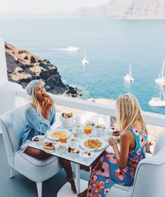 (Oia, Santorini, Greece) travel the world with your friends Adventure Awaits, Adventure Travel, Adventure Photos, Oh The Places You'll Go, Places To Travel, Travel Destinations, Santorini Grecia, Santorini Island, Greece Travel