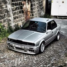 follow @e30ao #Silver on #Black <3 #E30 tag the owner