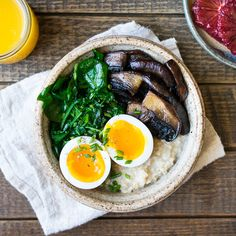 Savory oatmeal is a great way to get some extra veggies into your breakfast routine. So healthy and easy -- ready in 10 minutes!