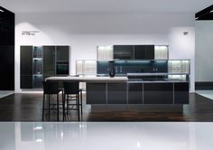 Porsche Design Kitchen P'7340 with Carbon Doors from Poggenpohl.
