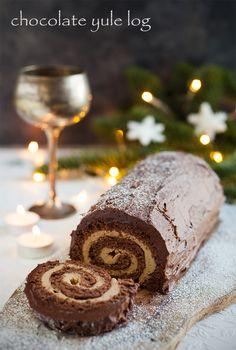 chocolate yule log via @thechocolatehog