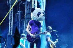 jack barakat of all time low :) hey Sid he has your shirt lol All Time Low, All About Time, Thy Art Is Murder, Panda Costumes, Jack Barakat, Costumes For Sale, Make Her Smile, Make You Believe, All Hero