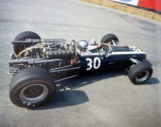 F1 1967. XXVII Grand Prix de Belgique, Spa Francorchamps. The superfast Pedro Rodríguez in his Cooper T81 (engine Maserati 9 F1 V12 3.0)
