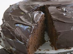Cut yourself a thick slice of this rich red wine and chocolate cake. Topped with a gorgeous creamy chocolate ganache, it is utterly indulgent and perfect for a weekend treat.