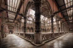Abandoned it's a she that this structure isn't in use anymore, awesome architecture