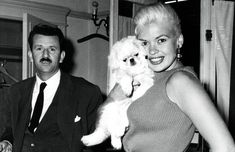 Jayne Mansfield, Actresses, Dogs, Pink, Animals, Europe, Female Actresses, Animales, Animaux
