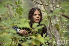 """The 100 --  """"Earth Skills"""" -- Image: HU102b_0018 -- Pictured: Marie Avgeropoulos as Octavia -- Photo: Cate Cameron/The CW -- © 2014 The CW Network, LLC. All Rights Reserved."""