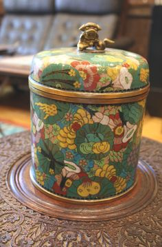 I don't know if this is a Tea Tin but looks like it could be used as one.