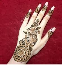 Henna is a plant. The leaf is used to make medicine. Henna is sometimes applied directly to the affected area for dandruff. Arabic Bridal Mehndi Designs, Palm Mehndi Design, Peacock Mehndi Designs, Mehndi Design Images, Mehndi Patterns, Heena Design, Latest Henna Designs, Best Mehndi Designs, Mehndi Designs For Hands