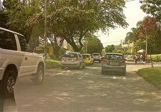 Viernes 21 de abril, 1:30 pm  Av. El poblado frente al Club Campestre