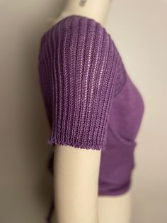 The comfortable short raglan sleeves are ribbed. Knitted Hats, Challenges, Knitting, Sleeves, Clothes, Design, Fashion, Outfits, Moda