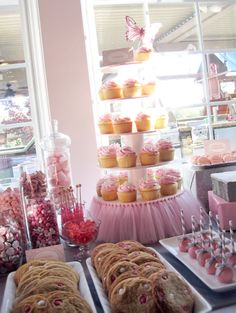 Love the Pink Tutu cupcake tower