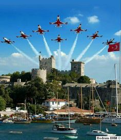Turkish Stars 30 August Victory Day Celebrations, Bodrum Castle, Bodrum Source by murataof Places Around The World, Around The Worlds, Ankara, Raf Red Arrows, Turkey Travel, Air Show, Belleza Natural, Istanbul Turkey, Air Travel