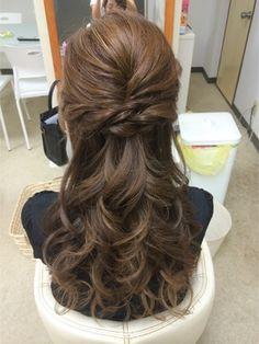 ツイストハーフ - 24時間いつでもWEB予約OK!ヘアスタイル10万点以上掲載!お気に入りの髪型、人気のヘアスタイルを探すならKirei Style[キレイスタイル]で。