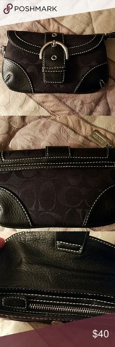 Coach clutch Zip closure black leather and cloth... Coach Bags