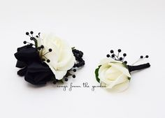Black and White Real Touch Rose Wedding Boutonniere Wedding Corsage Mother of the Bride Father Flowe Prom Corsage And Boutonniere, Rose Corsage, Rose Boutonniere, Corsage Wedding, Wedding Boutonniere, Corsages, Boutonnieres, Prom Bouquet, White Roses Wedding
