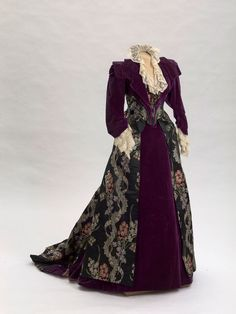 Worth dress of Empress Maria Feodorovna, 1890's From the State Hermitage Museum Fripperies and Fobs