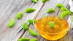Smrkový sirup pomůže při kašli i rýmě Cantaloupe, Fruit, Food, Cold Home Remedies, Syrup, Essen, Meals, Yemek, Eten