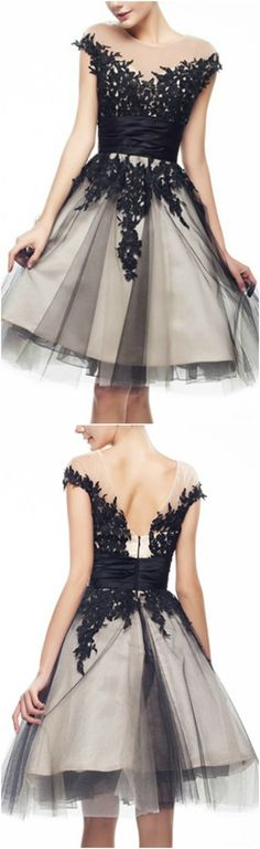 Blakc and White A-Line Scoop Neck Short Tulle Prom Dress With Appliques Lace