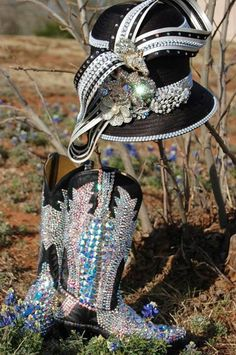 Paradise swarovski crystal bling cowgirl boots http://www.rhinestonesupply.com/cats.php?cid=76