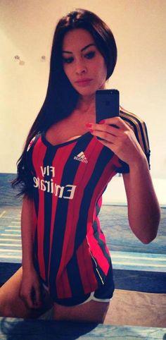 Futbol de Locura: La Chica del Día: Sidonie Biemont novia de Adil Rami