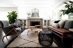 love the table + carpet setting
