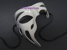 Classic White & Silver Leather Masquerade Eye Mask Authentic Unisex Half Mask Mardi Gras Prom Halloween Masquerade Event