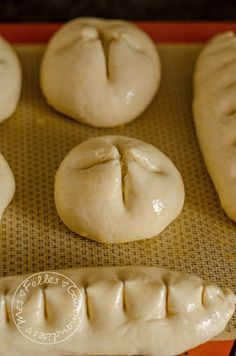 Buns with milk like brioches! Baguette, Pastry Recipes, Dessert Recipes, Victorian Cakes, My Favorite Food, Favorite Recipes, Bread Dough Recipe, Cooking Whole Chicken, Cooking