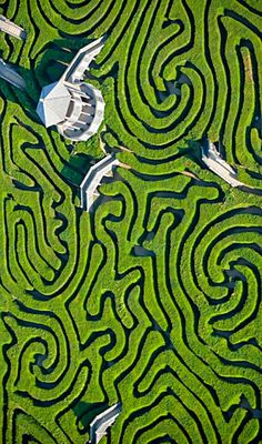 Maze at Langleat Manor . England