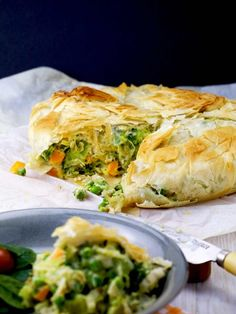 Broccoli vegetarian pot pie filled with colourful veggies, smooth béchamel with a nutty flair, enveloped in a flaky filo crust. Vegetarian Recipes Easy, Vegetarian Cooking, Cooking Recipes, Delicious Recipes, Phyllo Recipes, Cooking Courses, Vegetarian Entrees, Yummy Food, Cooking Games