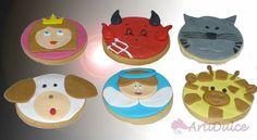 Galletas decoradas con motivos de animales e iconos de WhatsApp, xa el hermano de nuestra clienta. :)