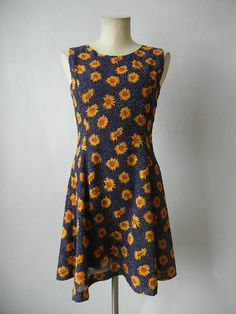 Vintage Sunflower Dress Size Small 90's by littleraisinvintage, $28.00