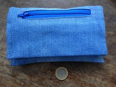 someone already put their tobacco pouch inside this denim pouch! Pouch, Wallet, Fabric Scraps, Euro, Stuff To Do, Coin Purse, Denim, Pocket Wallet, Sachets