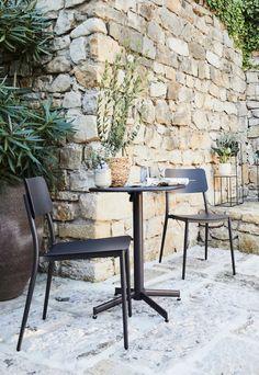 Salons et meubles de balcon: notre shopping malin - Marie Claire Outdoor Furniture Sets, Outdoor Decor, Marie Claire, Dining Chairs, Shopping, Home Decor, Gardens, Fold Out Table, Folding Chair