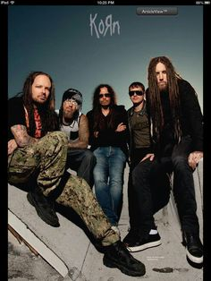 Korn!!!! Only question: what the hell is on Fieldy's face? Just wonderin . . .