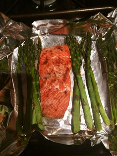 Baked Salmon Recipe that's healthy, easy and most importantly no cleaning involved!