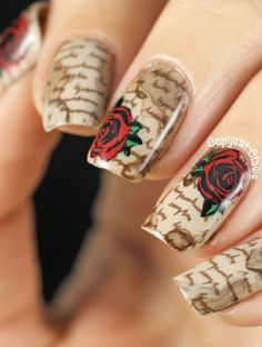 Stained Love Letter Nail Stamping.....nevermind....now ive found it! No roses though, keys instead!!!!!!!