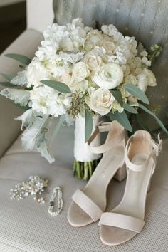 Wedding shoes with white and blush bridal bouquet by Flowers and Linens by Lolimar - Rustic Bramble Tree Estate Wedding - Photo: Bumby Photography - Orange Blossom Bride - Orlando Wedding Inspiration and Tips