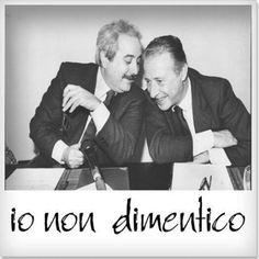 Non dimentichiamo mai l'eroismo di Paolo Borsellino e di Agostino Catalano, Emanuela Loi, Vincenzo Li Muli, Walter Cosina e Claudio Traina. A 23 anni dalla strage io lo ricordo così.