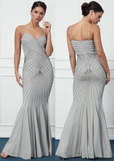 The 50 best 1920s Dresses currently available online. Flapper Girls Dresses 2020. 1920s Style Dresses. New Years Eve Party Dresses 2020. What to wear for a 1920s Party. What to wear for a Great Gatsby Party 2020. Find the perfect Flapper Dress. 1920s Theme, 1920s Party, Gatsby Theme, Gatsby Party, Vintage Theme, Vintage Inspired Dresses, Party Party, Party Ideas, Long Flapper Dress