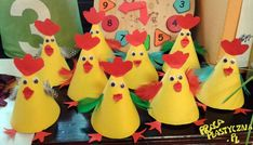 Chicken bulletin board idea for kids – Crafts and Worksheets for Preschool,Toddler and Kindergarten Duck Crafts, Farm Crafts, Animal Crafts, Preschool Art Activities, Kindergarten Art Projects, Art Drawings For Kids, Art For Kids, Chicken Crafts, Egg Carton Crafts
