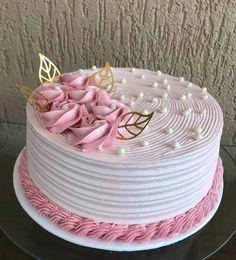 Cake Decorating Designs, Creative Cake Decorating, Cake Decorating Videos, Creative Cakes, Cake Decorating Techniques, Christmas Cupcake Cake, Simple Cake Designs, Beautiful Birthday Cakes, Baby Birthday Cakes