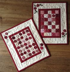 Red Button Quilt Company is a home based quilting pattern and kit business by Emily Hardwig, based in Bemidji, Minnesota. Cute Quilts, Small Quilts, Mini Quilts, Small Quilt Projects, Quilting Projects, Quilting Ideas, Dollhouse Quilt, Mini Quilt Patterns, Rug Patterns