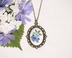 Von Hand bestickt Blumen Anhänger Halskette
