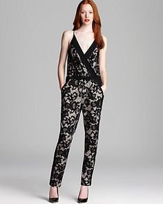 DIANE von FURSTENBERG Jumper - Shany Abstract Floral Lace - Sophisticated design, love it!